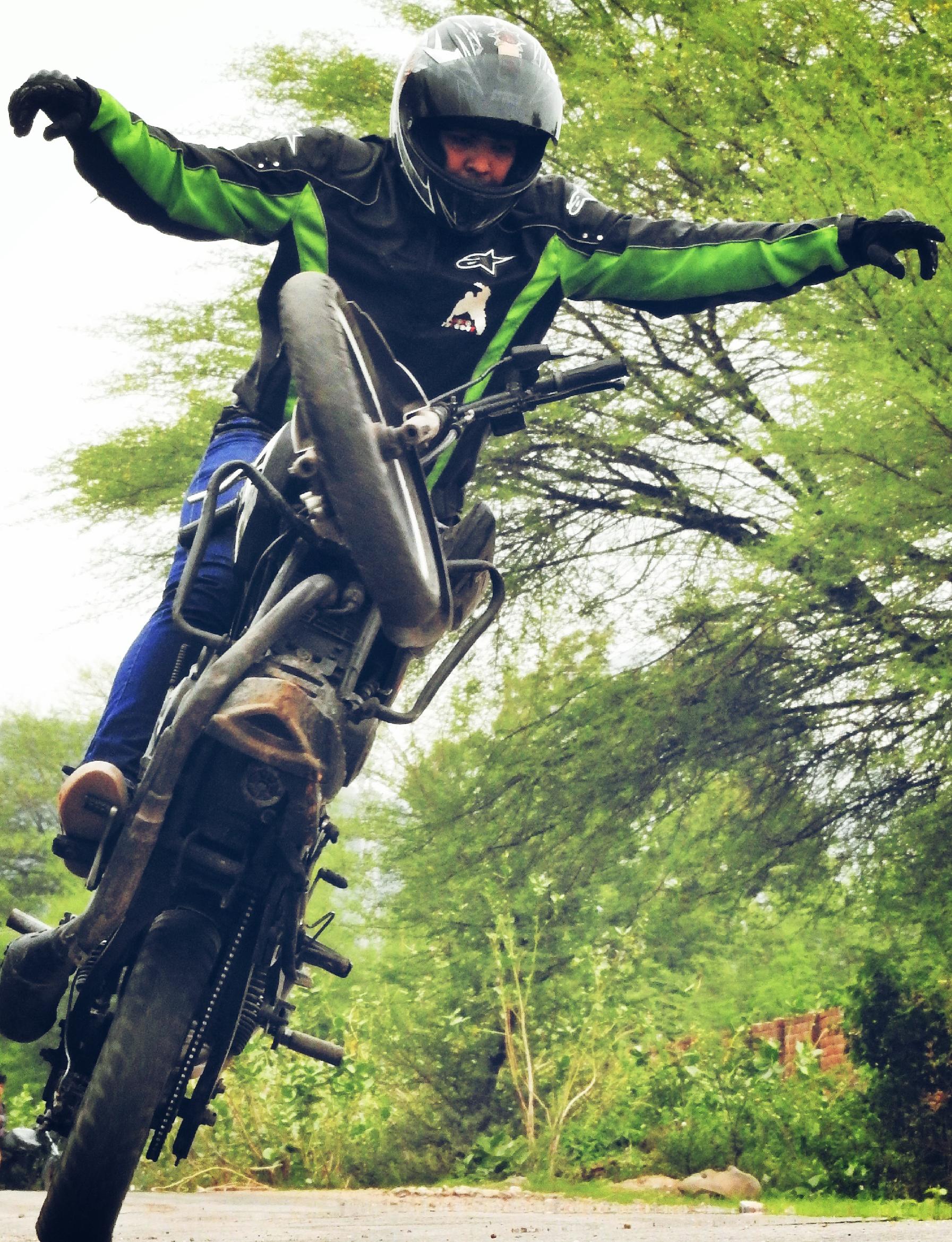 Photo of SportBike Freestyle Riding | Rohitesh Upadhyay