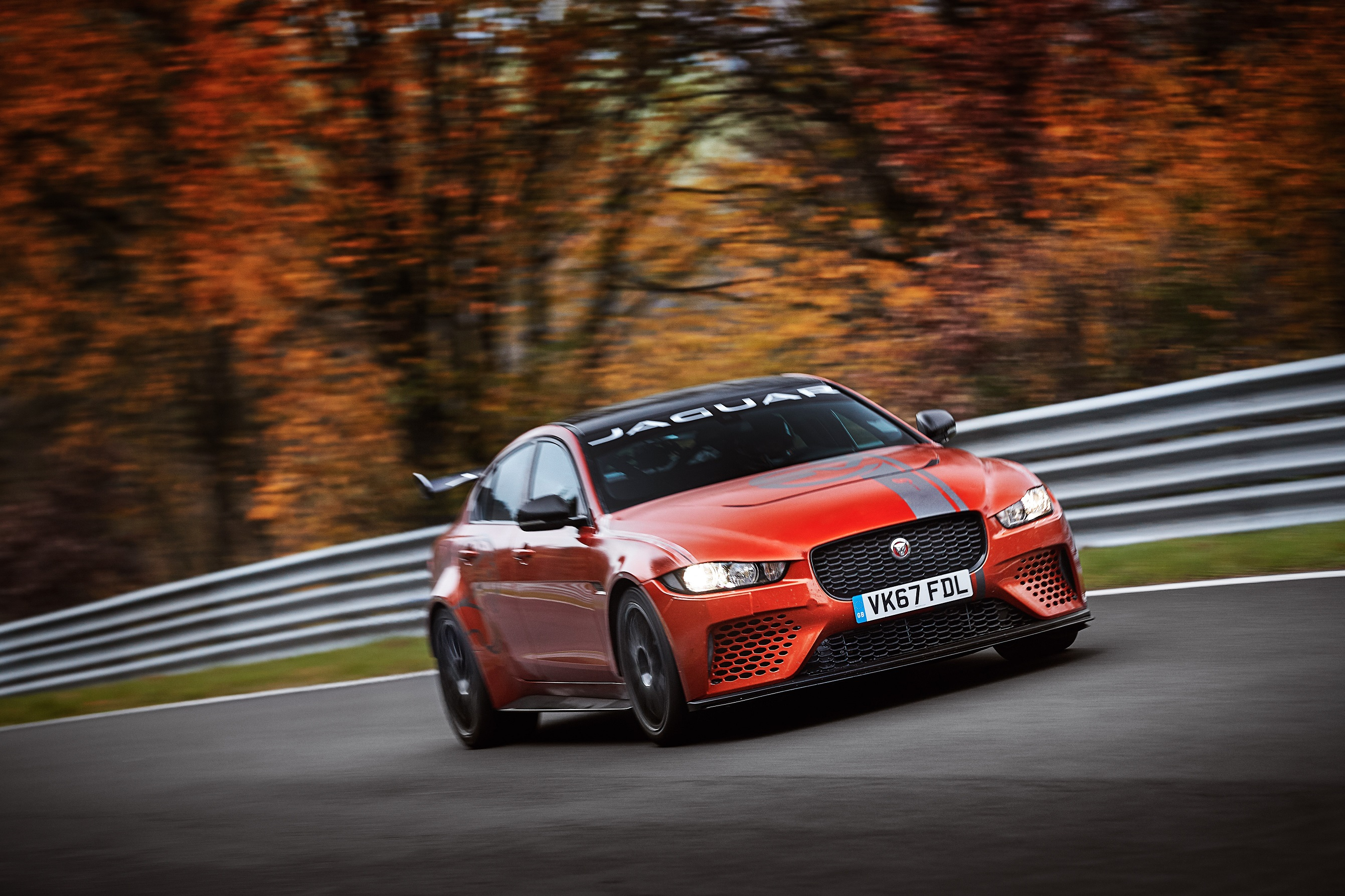 Photo of Jaguar XE Sv Project 8 has lapped  Nurburgring Nordschleife and beaten the previous record of the fastest four door car lap, by 11 seconds
