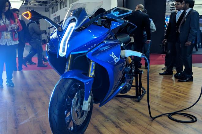 Photo of India's first electric superbike Emflux One unveiled at the 2018 Delhi Auto Expo