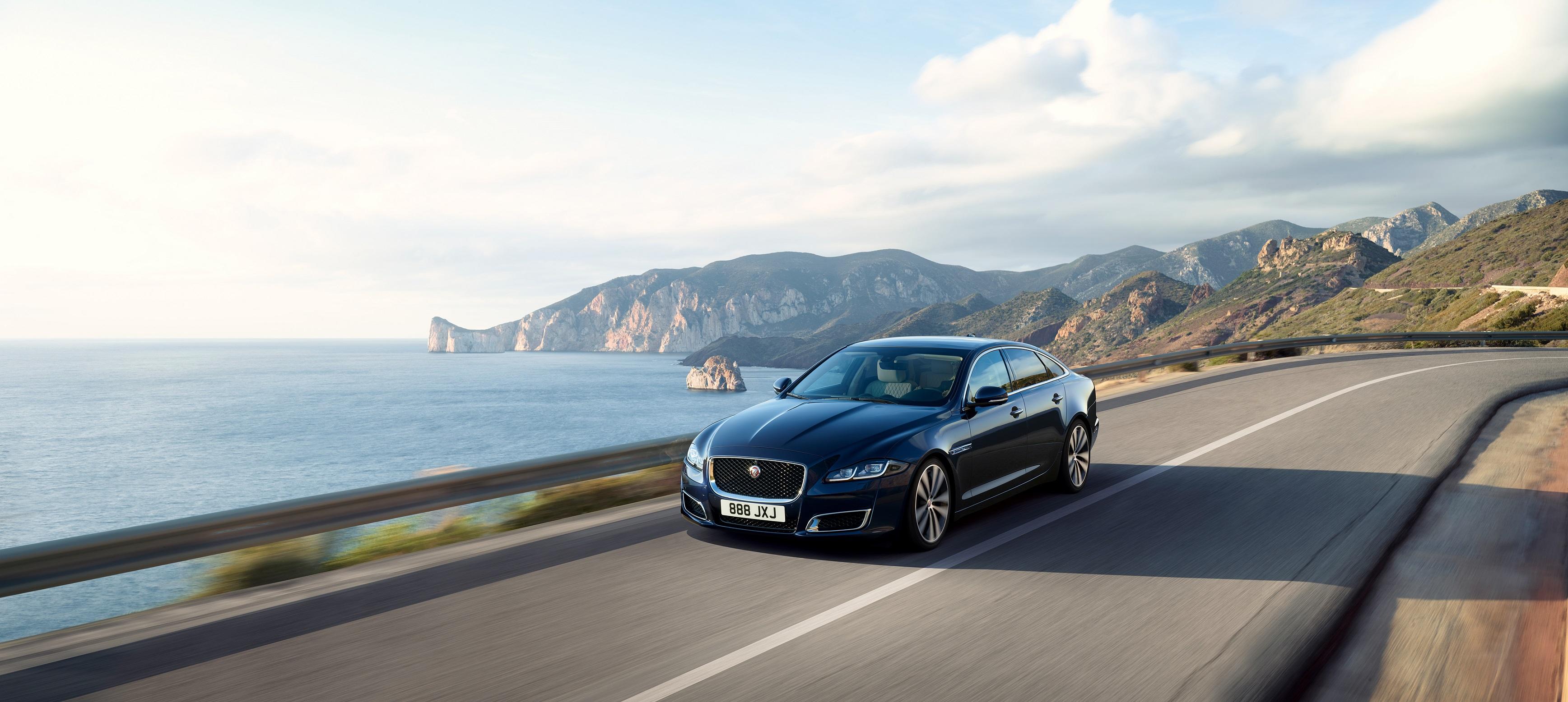 Photo of Jaguar XJ ends production run, next XJ will be an EV