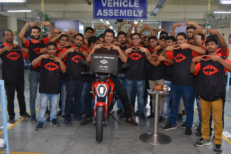 Photo of Revolt Intellicorp rolls out the first RV 400 from its Manesar Plant