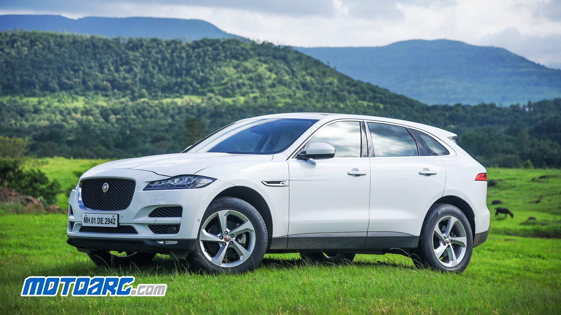 Photo of Jaguar F-Pace 25T Review : Segment leader? Almost