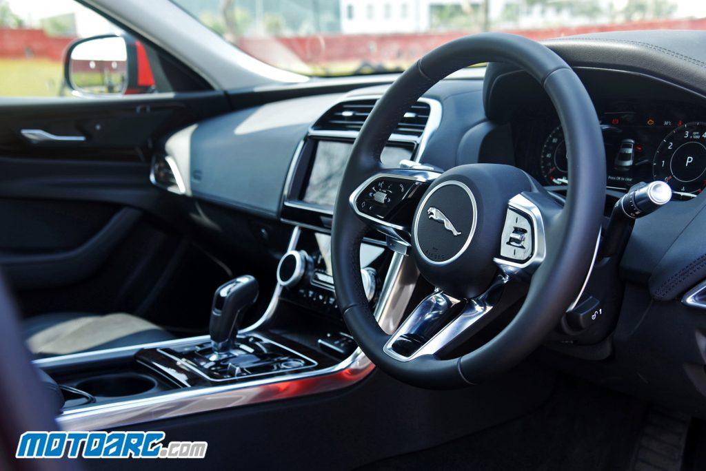 2020 Jaguar XE P250 SE
